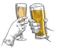 бокалы шампанского и пива